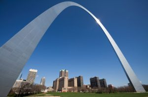 Alt tag not provided for image https://www.airfarewatchdog.com/blog/wp-content/uploads/sites/26/2016/12/stlouisarch-300x198.jpg