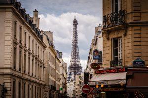 Alt tag not provided for image https://www.airfarewatchdog.com/blog/wp-content/uploads/sites/26/2019/01/paris-scene-300x200.jpg