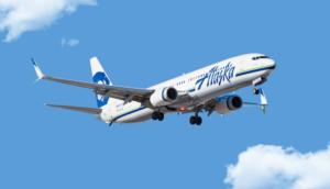 Alaska Airlines 737 in flight