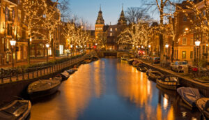 amsterdam-canals-winter-lighting