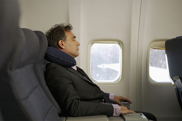 15 Travel Items You NEED in 2020 to Survive a Long-Haul Flight |  Airfarewatchdog Blog