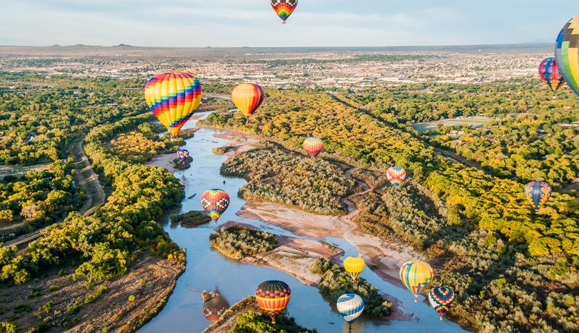 Baloons over Rio Grande in Albuquerque New Mexico