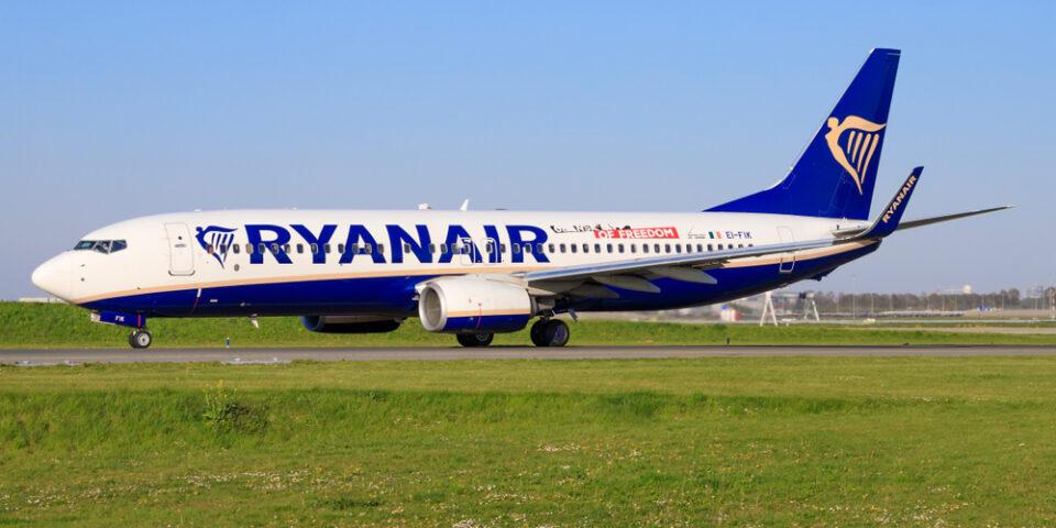 Ryanair Boeing 737-Max in Amsterdam