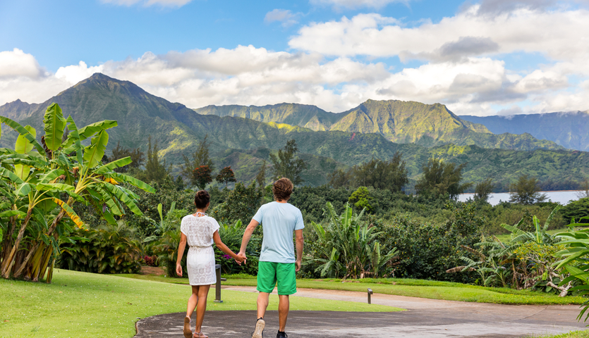 couple relaxing in Hanalei Bay Resort in Kauai, Hawaii