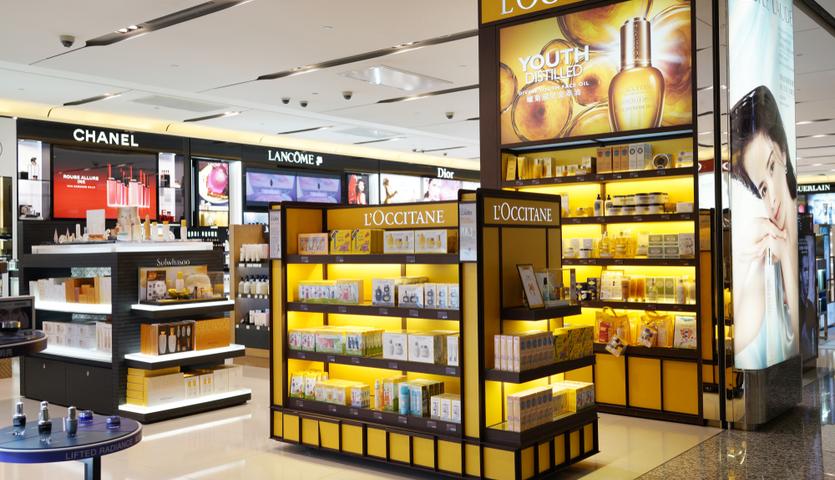 L'Occitane display at airport