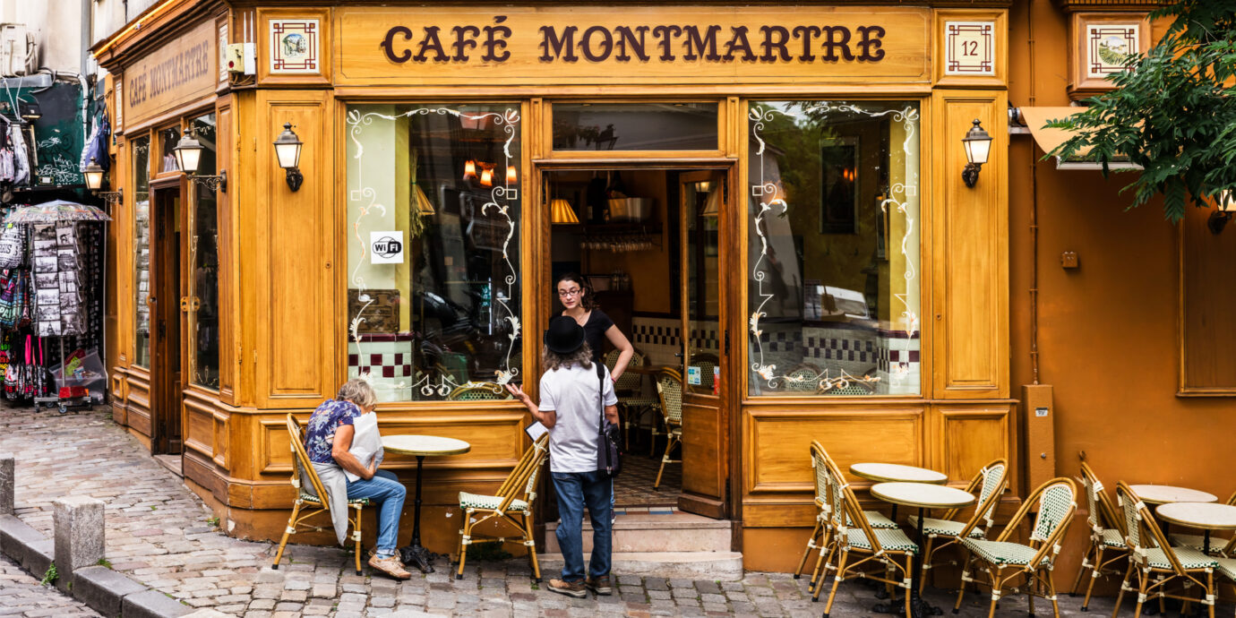 Colorful-cafe-in-Montmartre-Paris